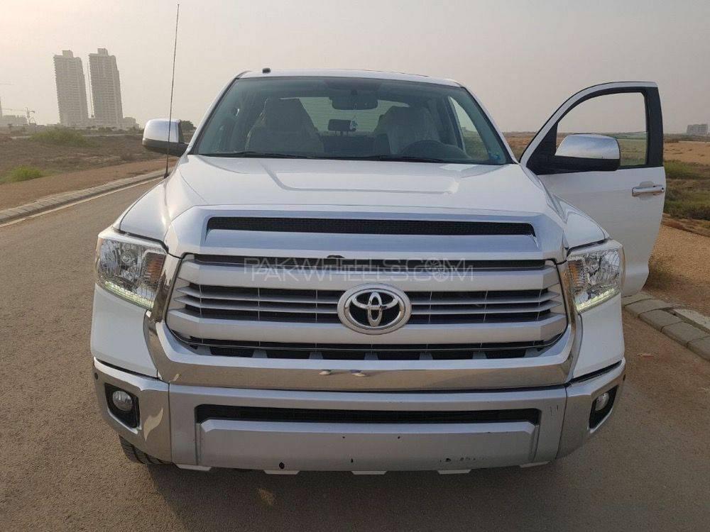 Toyota Tundra 5.7i 2014 Image-1