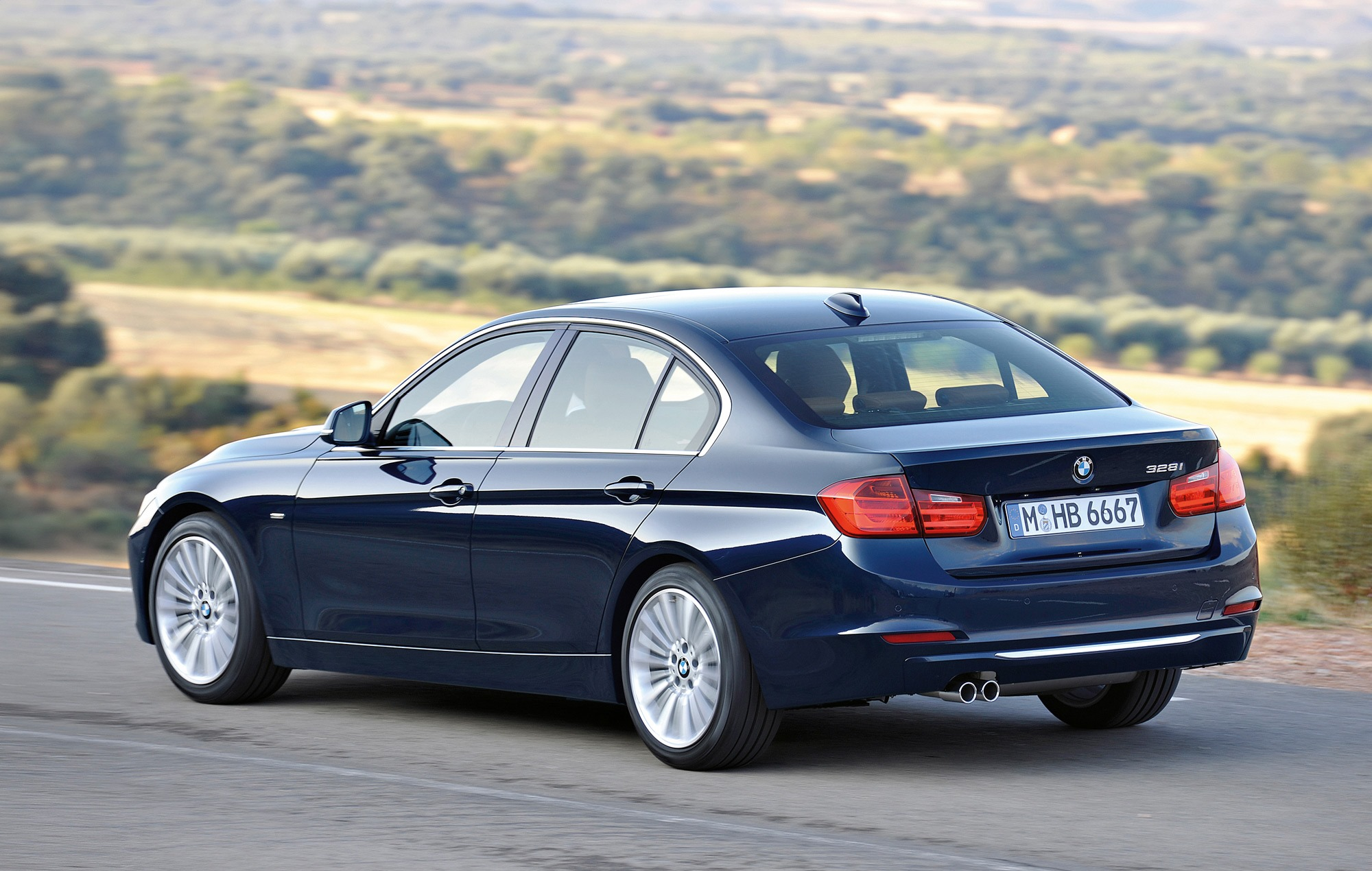 BMW 3 Series 2019 Exterior Rear Side View