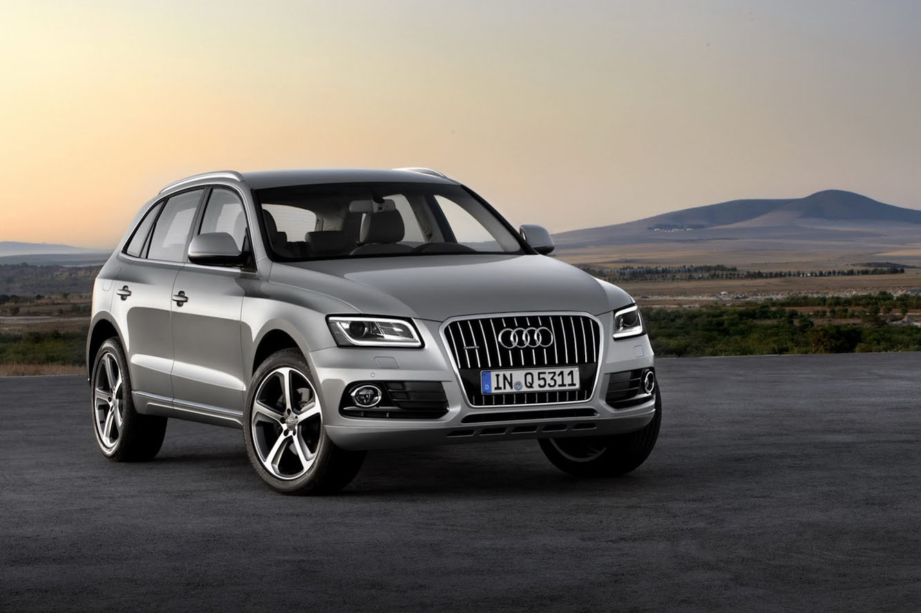 Audi Q5  Exterior Front Side View