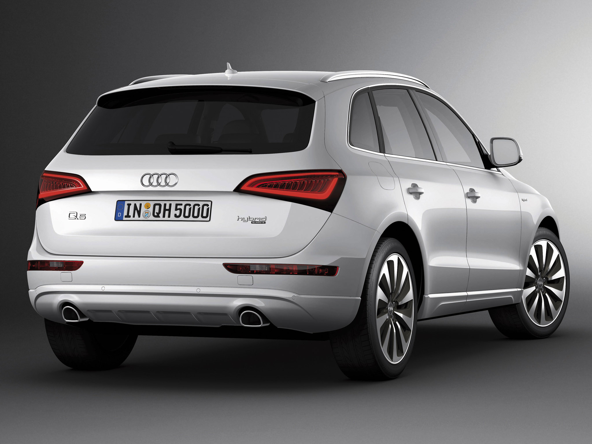 Audi Q5  Exterior Rear Side View